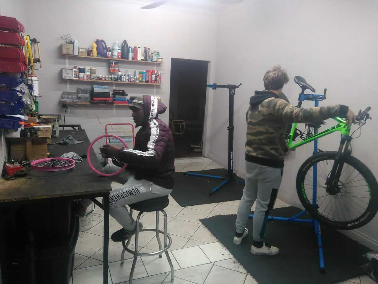 Cycle workshop at The Cycle Asylum in Port Alfred